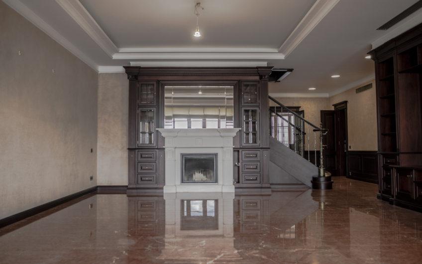 Двухэтажный 6-ти комнатный пентхаус — 226,5 кв.м. в районе Арбат ЦАО г. Москвы, в 310 метрах от станции метро Арбатская